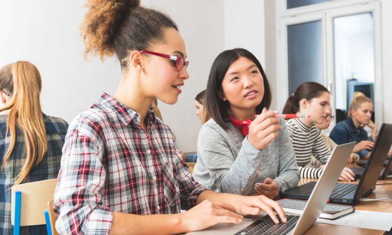 مهاجرت به کانادا از طریق تحصیل یا کار در حوزه مهندسی کامپیوتر در این کشور