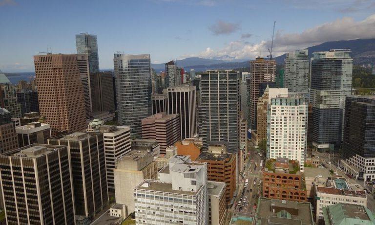 بهترین شهر برای زندگی در کانادا (ونکوور مقابل تورنتو)!