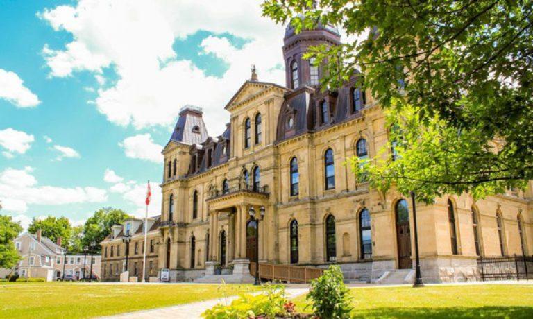 مهاجرت به کانادا و زندگی در فردریکتون کانادا