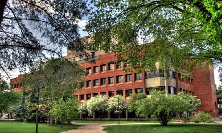 خط سیر های مشترک در دانشگاه های کانادا